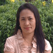 Mila Harvie from Down Under Visa, Filipina lady and Tagalog speaker, married to Jeff Harvie