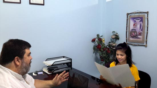 Jeff Harvie working with a client for a fiance visa or spouse visa application